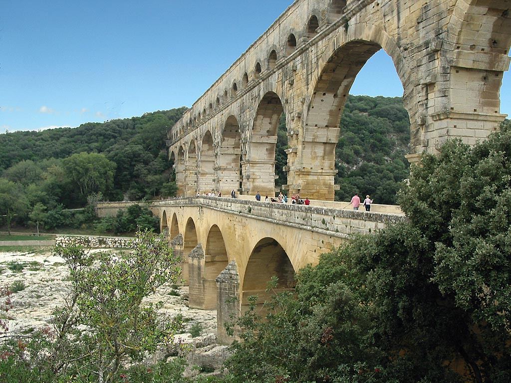 Pont du 1024 768 history creation to christ for Pont du gard architecte
